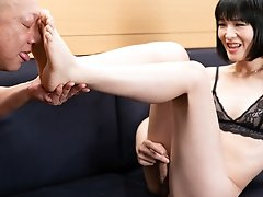 Japanese ladyboy Yoko feet worship and blowjob!